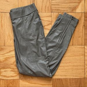 Hue Gray Pleather Leggings with Zipper